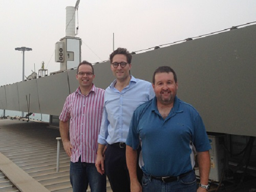 This research has international significance. Pictured are visitors from the National Center for Atmospheric Research, USA, and Max Planck Institute for Chemistry, Germany, in front of the KAUST laser-based atmospheric monitoring instrument.