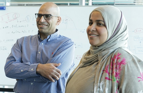 KAUST researchers Doha Hamza (right) and Jeff Shamma have developed a way for paired strangers to buddy up to make better use of bandwidth.
