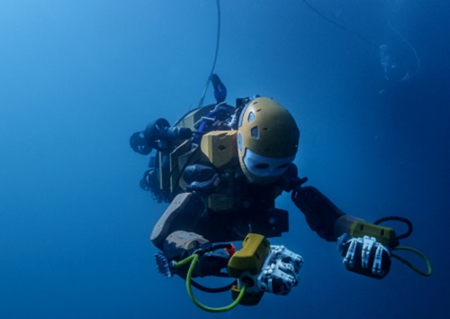 Similar in size to a human diver, Ocean One acts as the extension of a human operator