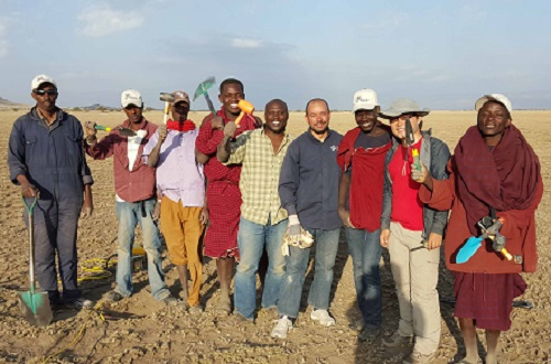 The seismic field crew working in Olduvai Gorge, including Sherif Hanafy (blue shirt, fourth from right) and Kai Lu (red shirt, second from right).