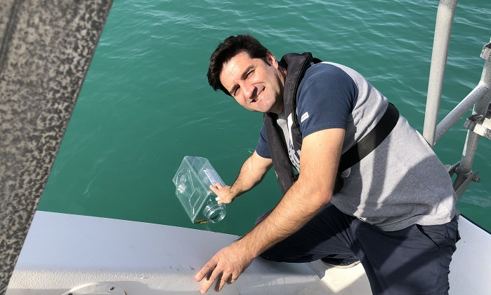 Surface water samples were collected weekly in KAUST Harbor by co-author Miguel Viegas, a former KAUST laboratory and field technician.