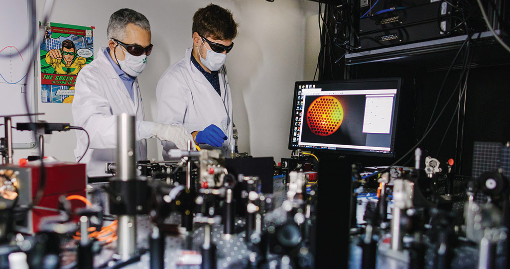 Carlo Liberale (left) and Andrea Bertoncini (right) developed a process to combine multiple photonic units together by 3D printing a series of photonic crystal fiber segments.